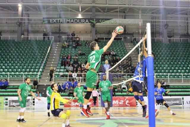 El Extremadura CCPH recibe al segundo clasificado, Voleibol Dumbría
